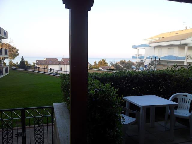 Appartamento a due passi dal mare - Pineto Pineto