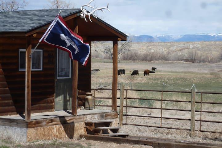 Bunkhouse near Cody and Yellowstone