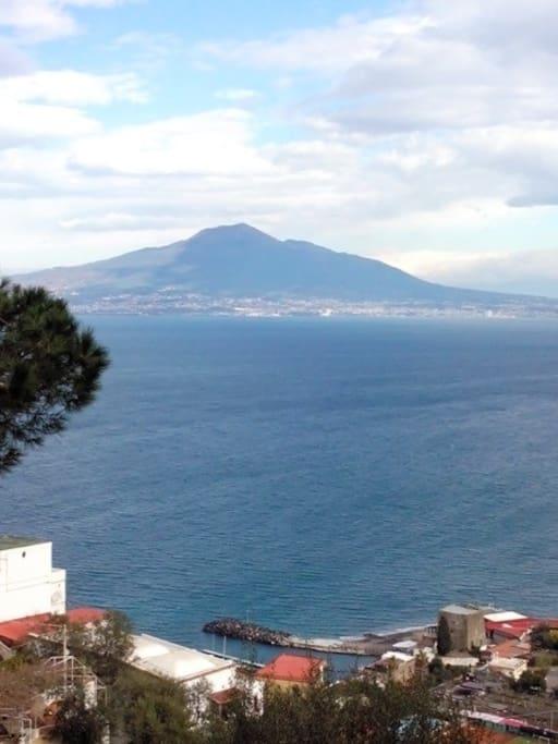 Panorama che si ammira dalla camera 'Vesuvio'
