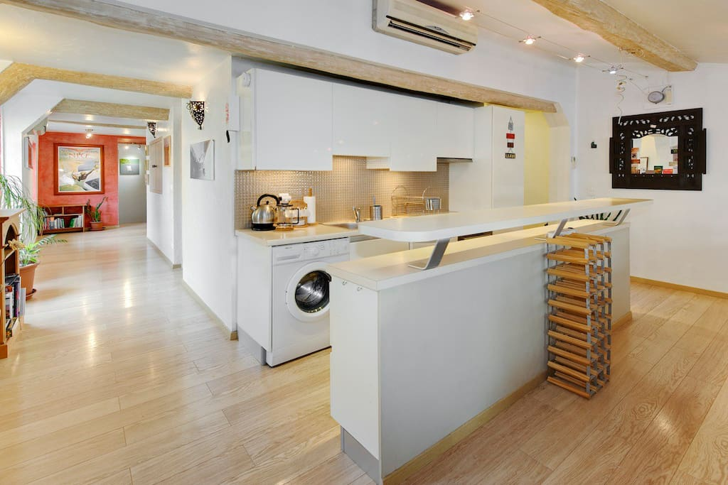 Alouette - View of kitchen