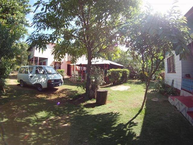 Shades Cottage Guesthouse - Belmont District, Bluefields PO - Casa de huéspedes