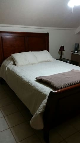 Private Bed & Bath & Pet Friendly - Beaumont - Maison