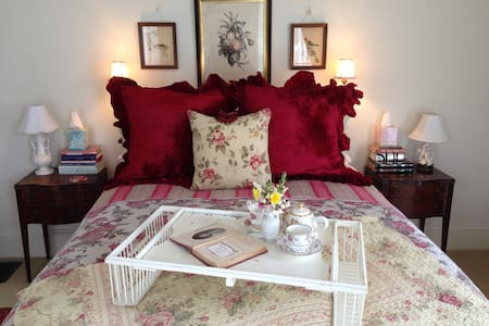 A Private, Romantic Retreat ~ Downtown Pescadero! - Pescadero - Andet