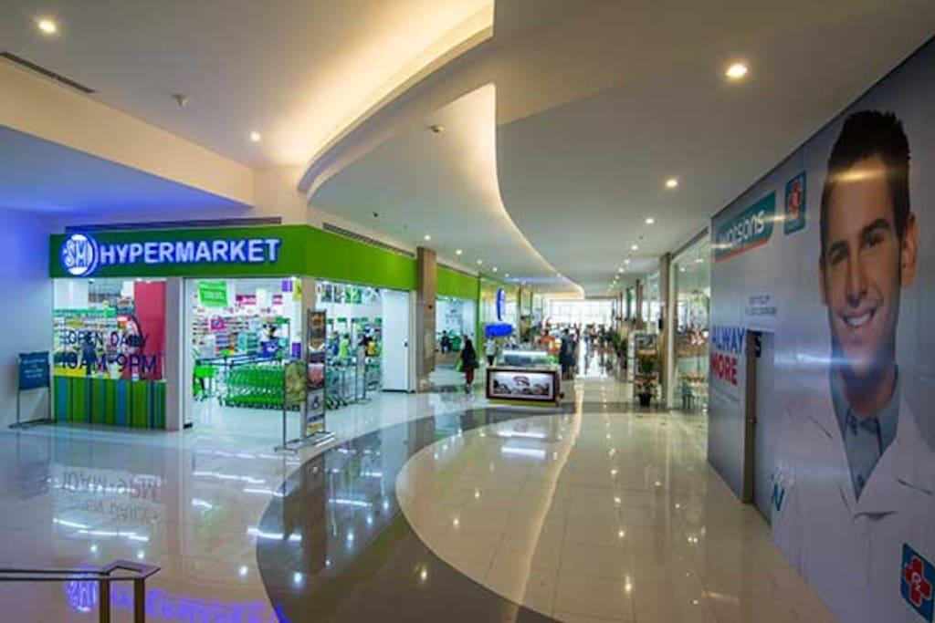Ground floor mall