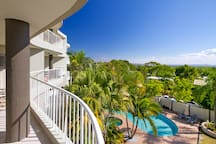 Pool and spa of Noosa HIll Resort