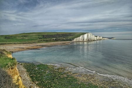Warm and cosy room nr seafront. - Seaford