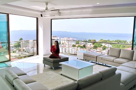 Penthouse 300 m2 Luxury 3 bedroom Pattaya Seaview