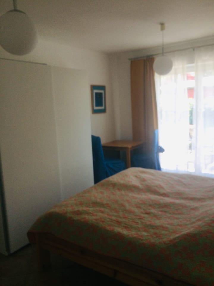 Strandnahes einfach ausgestattetes Zimmer