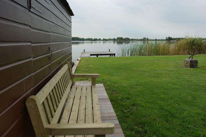vakantiehuis aan het water - Nieuwkoop
