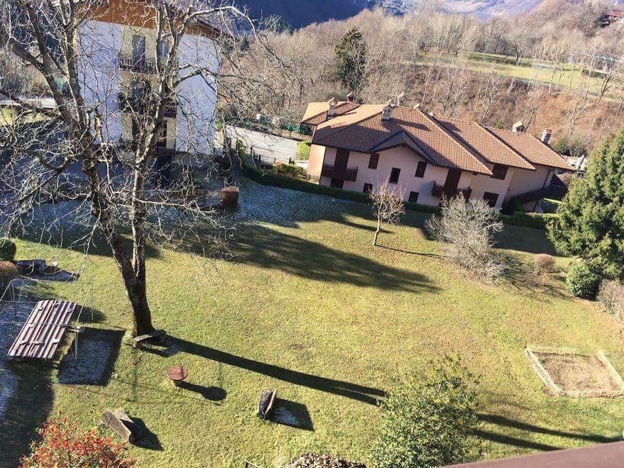 Vista sul giardino di proprietà