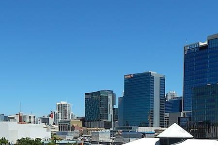 Perth City Apartment  Free WIFI - Northbridge