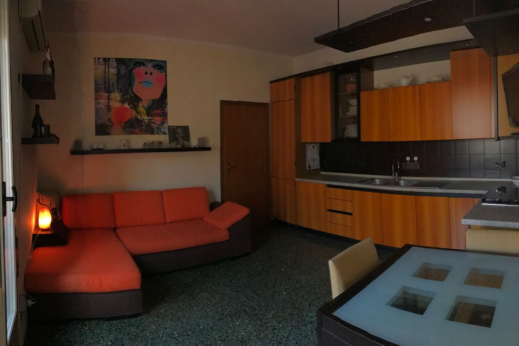 Sala e Cucina kitchen and living