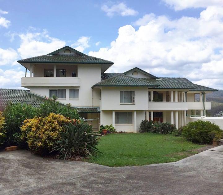 MindyMig's La Casa Grande (Rm1)