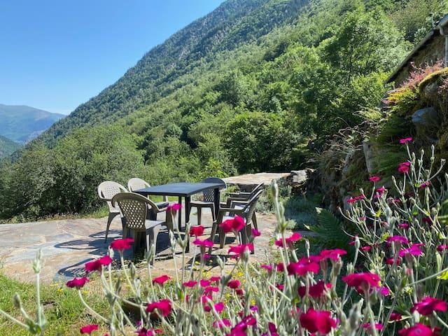 Grange rénovée, Pyrénées Ariégeoises, Vicdessos