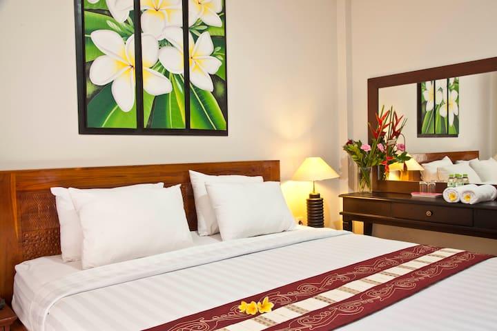 Jepun Kuta Guest House - Cheap Room - FREE WIFFI