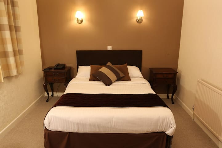 Double Bedroom In Charming Hotel