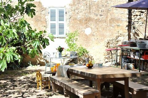 Bed & Breakfast with Garden