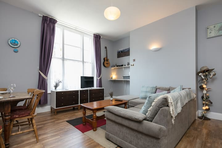 Beautiful, Light & Spacious Aigburth Apartment - Liverpool - Wohnung
