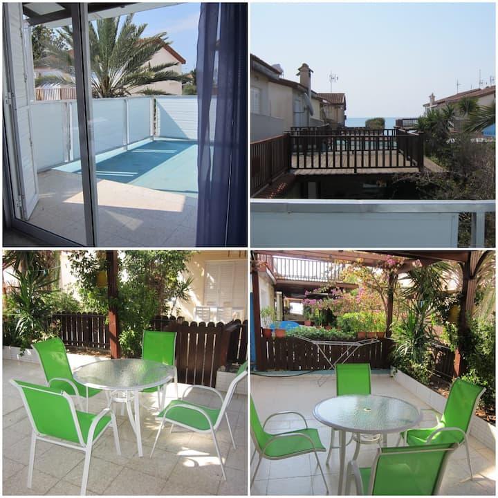 Spiros Seaside Villa