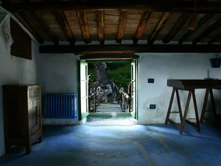 "Bedroom ""Torretta"" in 17th Century farmhouse"