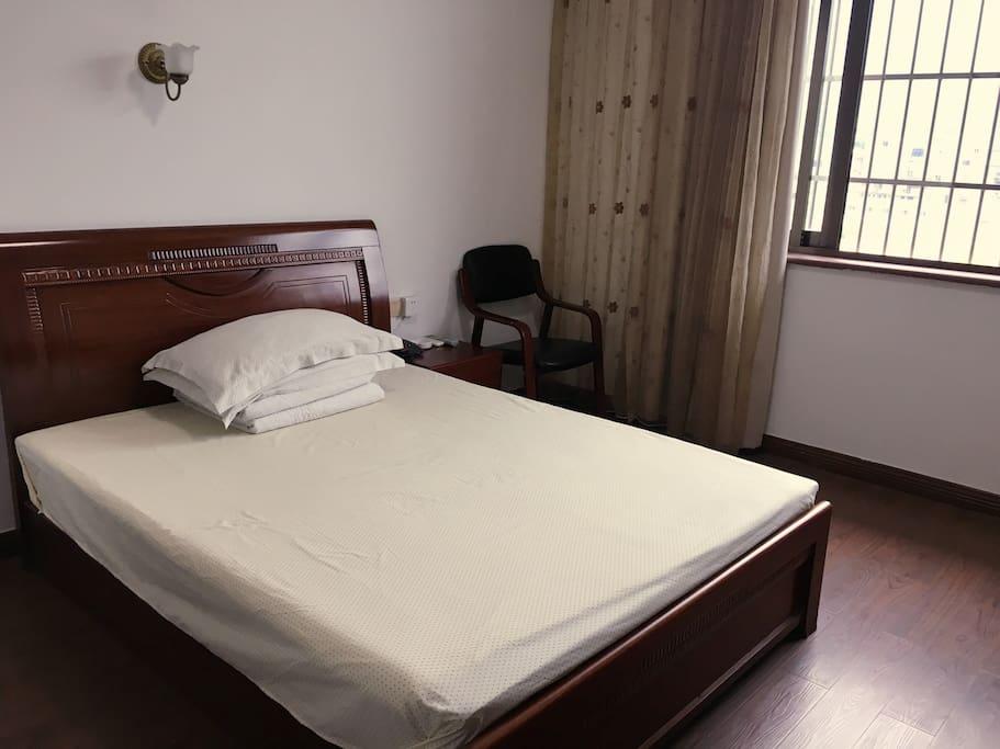 房型一:大床房