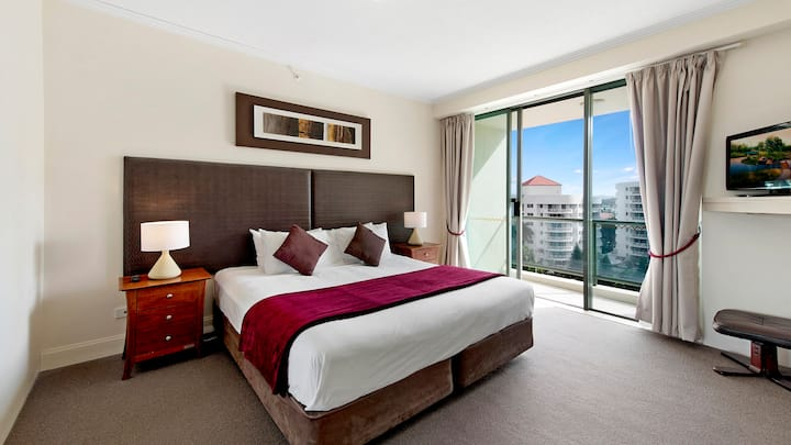 Gold Coast Beautiful Comfortable Surfers Suite