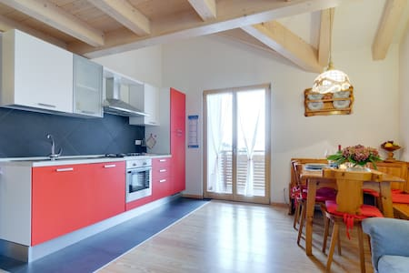 Attic 3 Bedroom - Split level - Fai della Paganella - Huoneisto