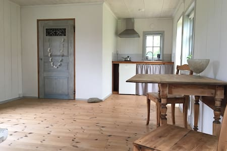 Rent a peaceful guesthouse in beautiful Österlen