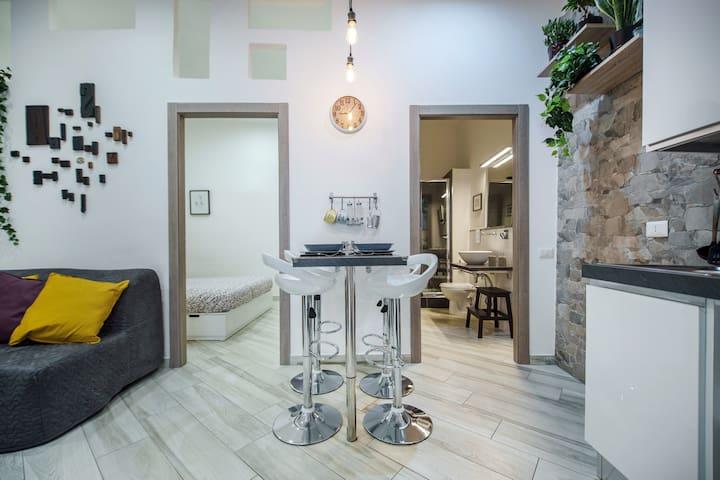 A Casa di Marilù 100 meters from the Toledo metro