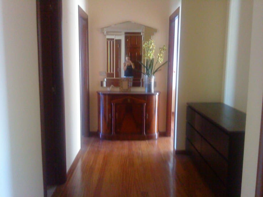 Pasillo de acceso a la habitación