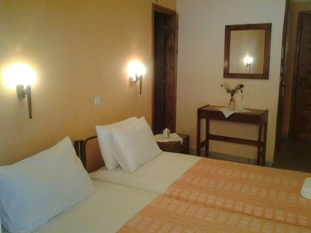 Mama's Rea Apartments N ° 5 - Γαρδενος