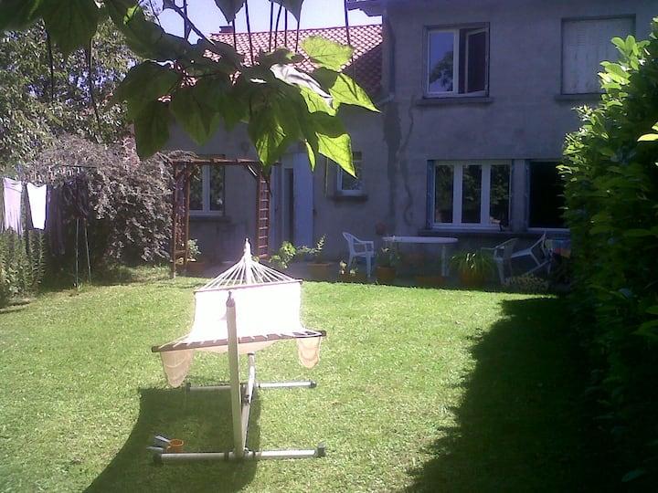 chambre vue  Pyrénées  2 min du CFA, Lycée , gare.