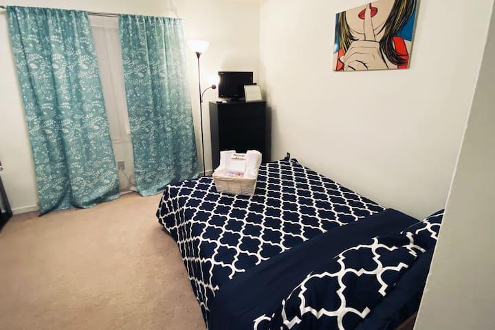 Cozy room in Shadyside