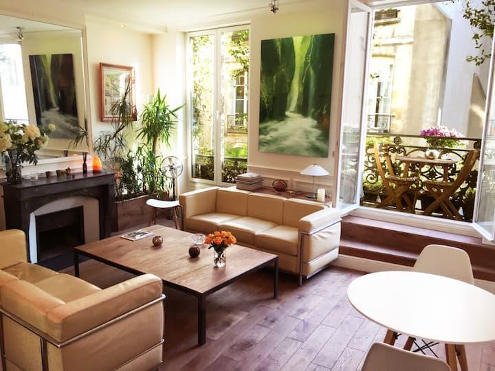 Luxurious, heart of Marais, balcony