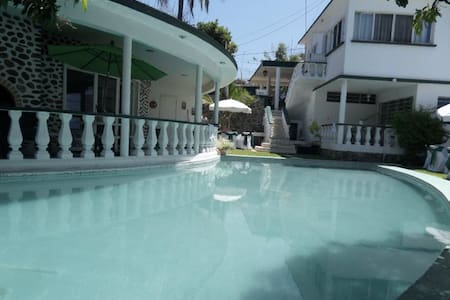 Retro Teques Sunny Beside MarinaSOL - Tequesquitengo - Casa