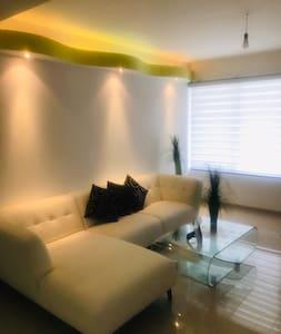 Casa nueva, muy confortable