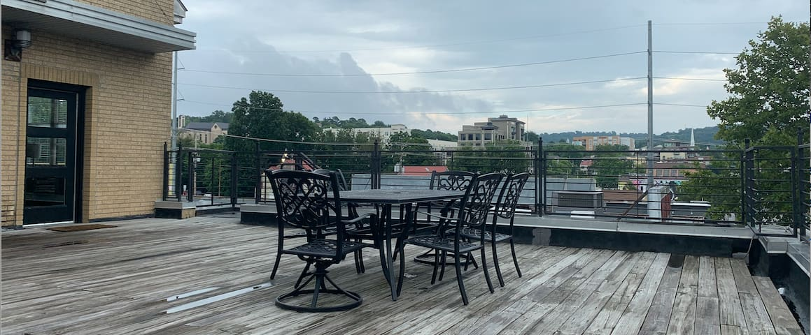 Large Private Deck on DICKSON STREET 2-Story Condo