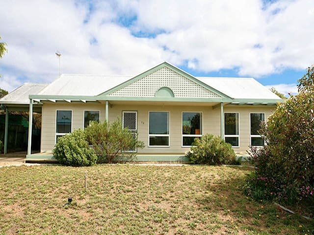 Boston Beach House - Goolwa Beach - Goolwa Beach