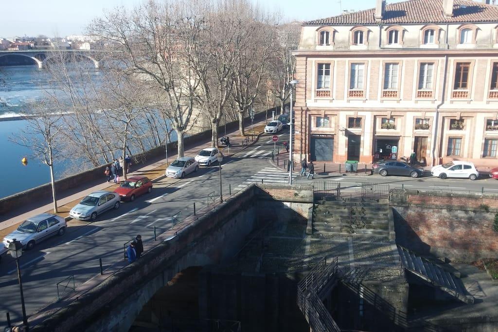 Vue sur le canal de Brienne et la Garonne