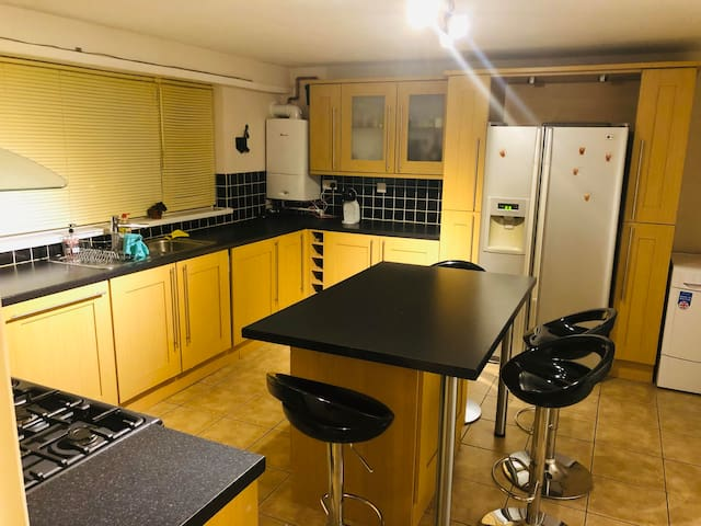 Single bedroom available close to Harborne !!!