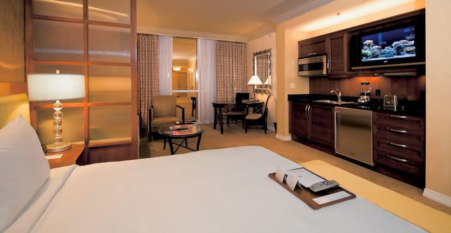 MGM Signature Balcony Deluxe Suite - Las Vegas - Byt