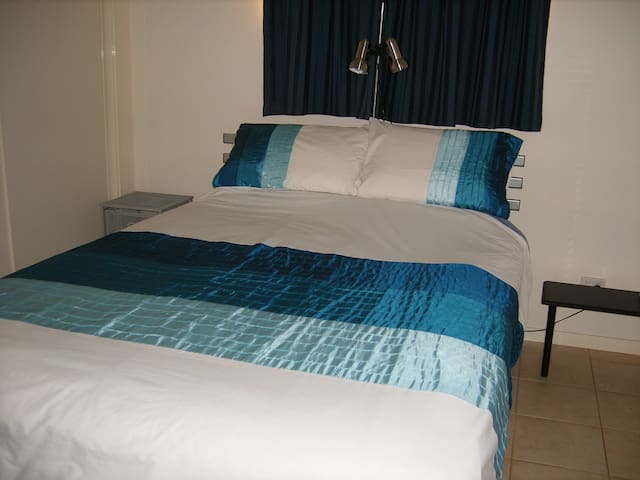 Bed and Breakfast at Ningaloo Reef  - Exmouth - Bed & Breakfast