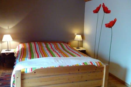 le coteau du buzet - Pont-a-Celles - Bed & Breakfast