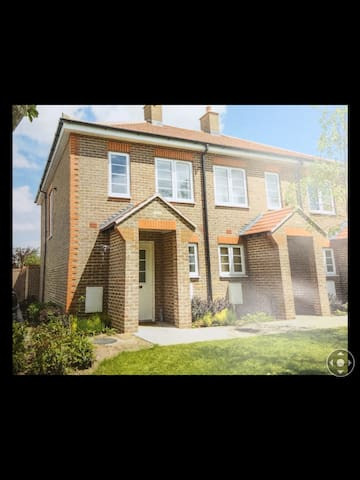 Modern house, close to Chichester a