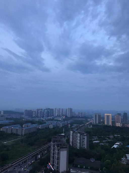 阳台风景之风雨欲来