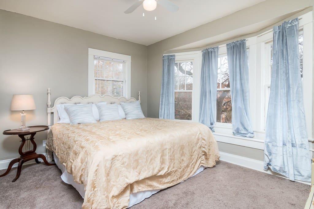 5 beautiful bedrooms