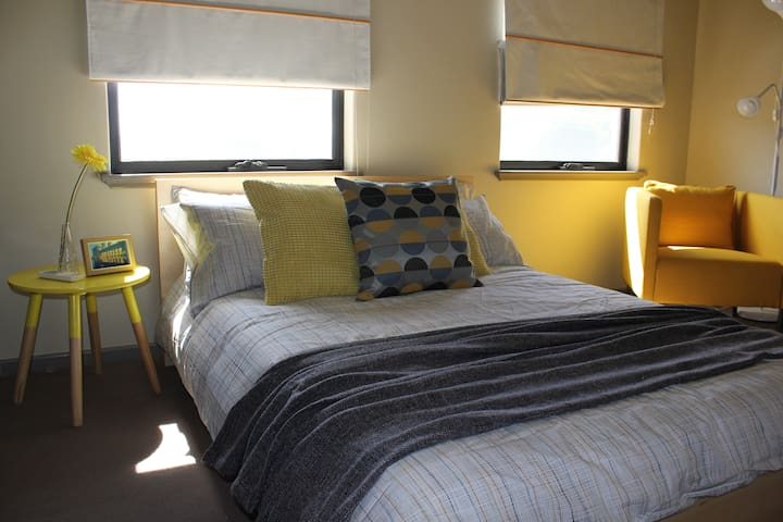 Family friendly 1 to 2 rooms - Leederville - House