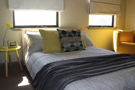 Family friendly 1 to 2 rooms - Leederville - 独立屋