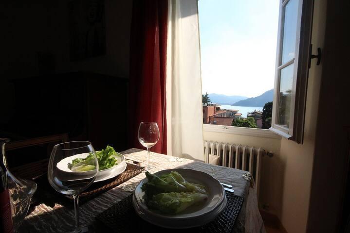 Apt Mozart, lake View sleeps 6 - Torno - House
