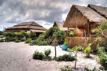 GreenBlue Beach Bungalows - Sihanoukville - Hut